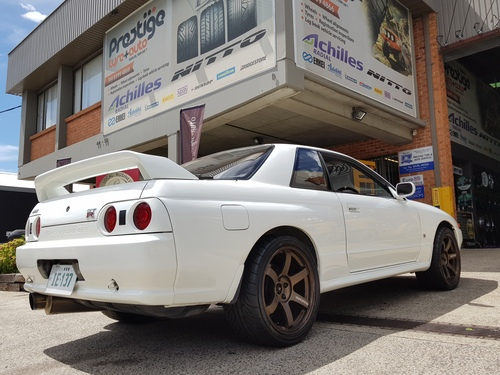 Nissan Skyline R32 GTR fitted up with 18'' Bronze Rays TE37 Wheels & 265/35r18 Yokohama AD08R Tyres
